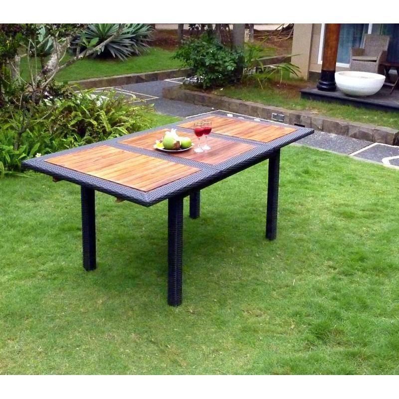 table de jardin en teck en r sine tress e rectangulaire tr s tendance. Black Bedroom Furniture Sets. Home Design Ideas