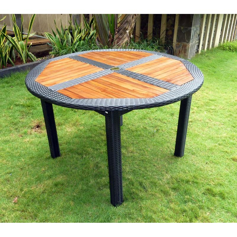 Table de jardin en teck en r sine tress e ronde pliante for Table salon de jardin pliante