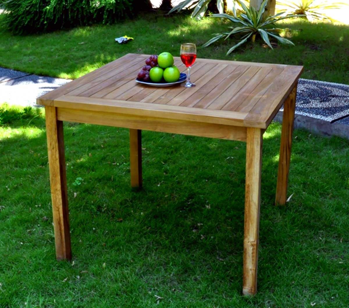 Table de jardin en teck huilée - table carrée en teck 90 cm ...