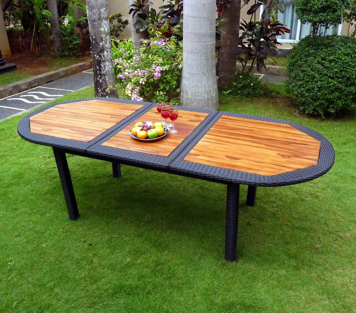 Table de jardin en teck huilé et résine : modèle java ratan