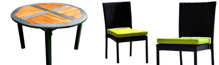 table ronde et 4 chaise resine