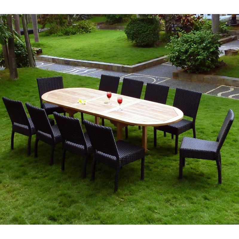 Salon de jardin en teck brut et 8 chaises résine tressée noire