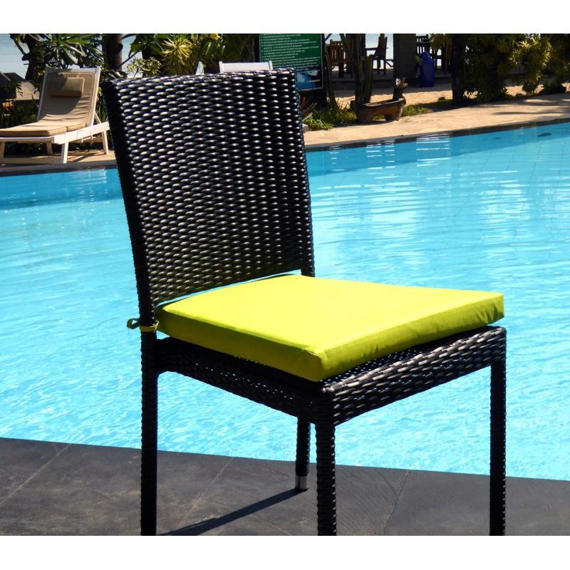chaise en r sine tress e de qualit au meilleur prix. Black Bedroom Furniture Sets. Home Design Ideas