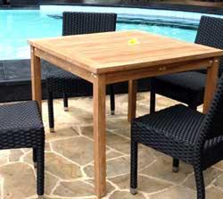 table carrée en teck brut